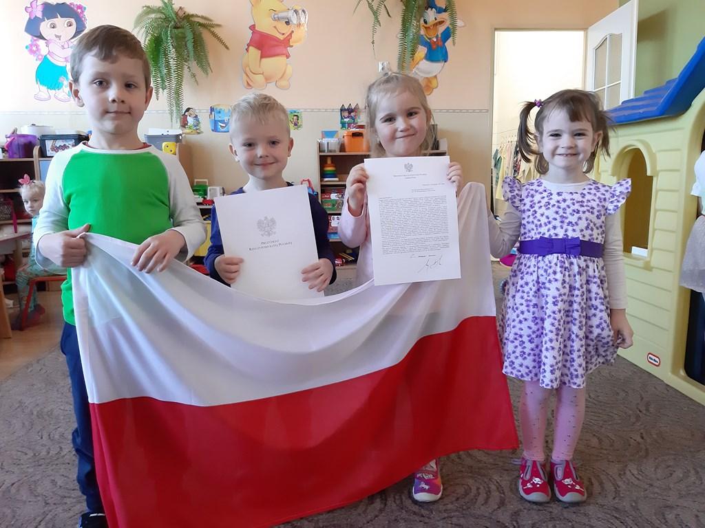 Podziękowanie i flaga Polski od Prezydenta RP