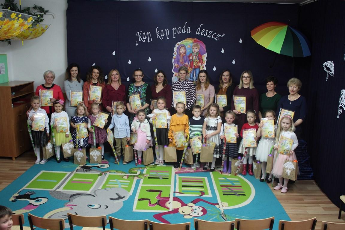 """XVIII Spotkanie z Piosenką pod hasłem """"Kap, kap pada deszcz"""""""