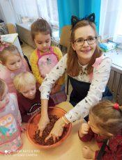 Zajęcia kulinarne w grupie Krasnali