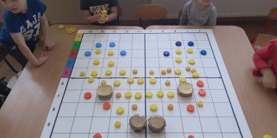 Przedszkolne kodowanie w grupie Biedronki