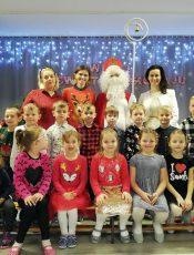 Święty Mikołaj z wizytą u przedszkolaków